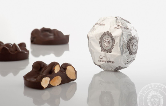 """Picture of Laurence Chocolate Treats Chocolate -""""Anomalo"""" With Almonds 100gr"""